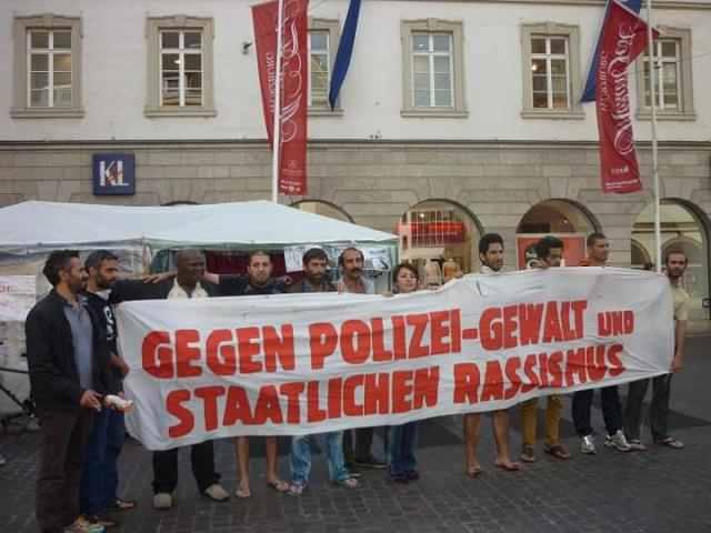 Rassistische Kontrollen stoppen – Polizei kontrollieren. PM aus dem BREAK ISOLATION Flüchtlingscamp in Erfurt